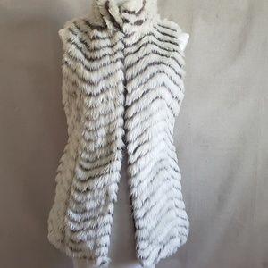 Striped faux fur vest Soft Fuzzy NWOT Small
